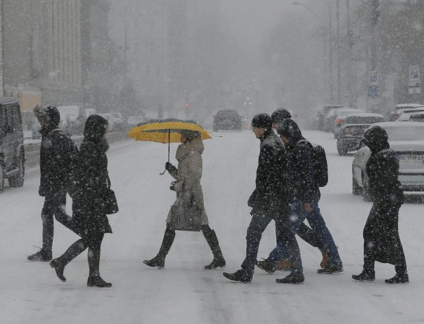 Погода на завтра: зіткнення стихій може зіпсувати українцям Новий рік