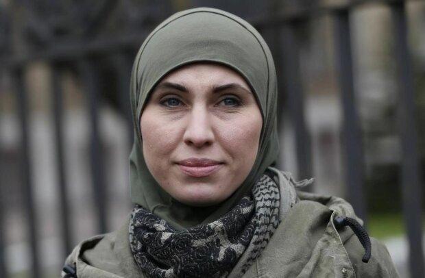 """""""Балаклава стала її хіджабом"""": мати вбитої активістки Євромайдану Аміни Окуєвої відверто розповіла про доньку"""