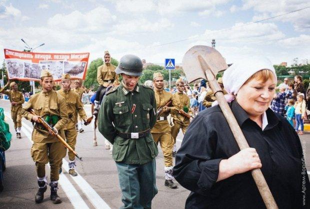В Подмосковье провели нацистский парад (фото)