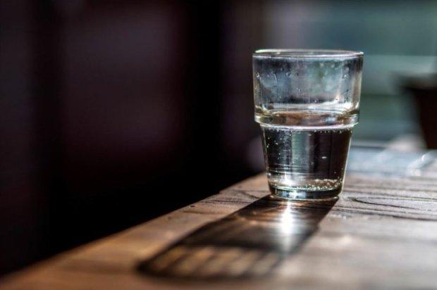 Дієві заговори на святу воду: привернуть гроші та кохання