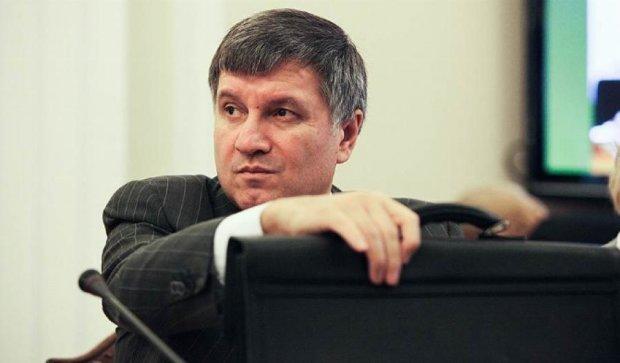 У Миколаєві 3 людини на одне місце патрульного - Аваков