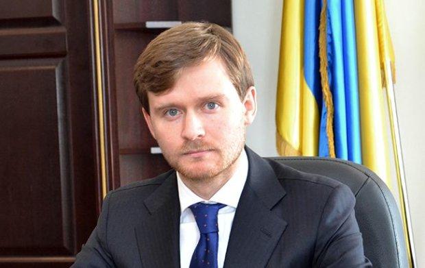 Журналисты нашли у топ-чиновника ГФС бизнес в Крыму: детали расследования