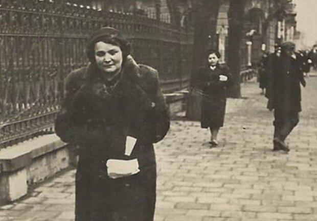 Франковчанки в 30-х годах, фото Игорь Менив: Facebook