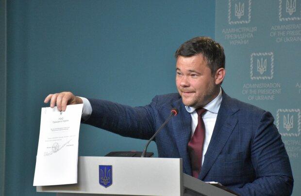 """Богдан рассказал о проплаченных митингах против """"формулы Штайнмайера"""": все расценки слили в сеть"""