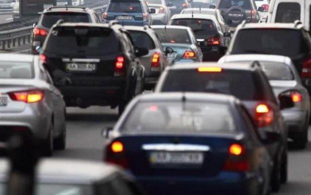 Трамвай об'їде? Як автохами затори в Києві створюють