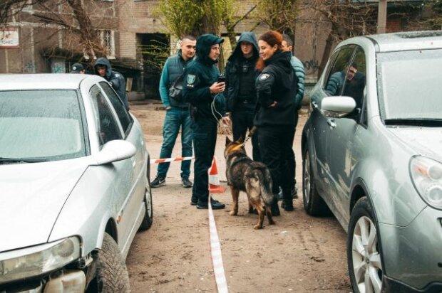 """""""Найдите нашего мальчика"""": под Киевом третью неделю родители ищут двухметрового парня с бородой"""