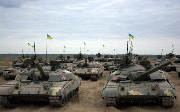Украинские танкисты провели впечатляющие тренировки ночью: видео