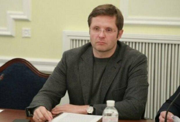 Табачный рынок в Украине: Холодов рассказал, в чьих руках монополия и власть