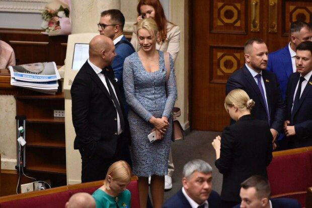 """Гламурная """"Слуга народа"""" засветила элитный аксессуар: даже Луценко позавидовала бы"""