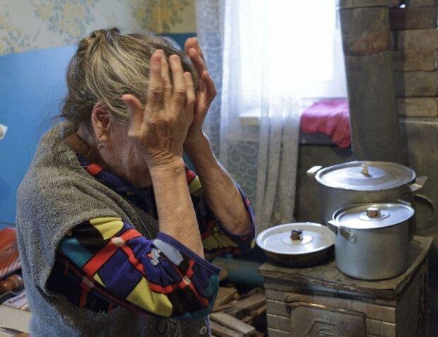Бедность - не порок? Украинцам показали, что случается с пенсионерами за мелкую оплошность, больно слышать