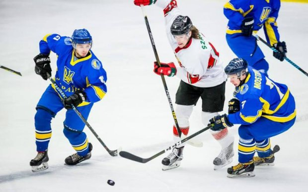 ХК Донбас підписав двох гравців молодіжної збірної України