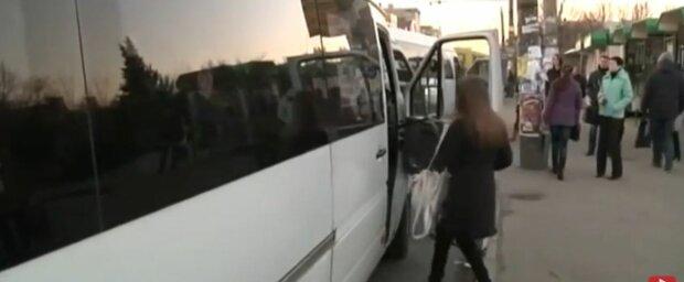 У Запоріжжі бидло-маршрутник висадив дитину посеред дороги - не вистачило 2 гривні
