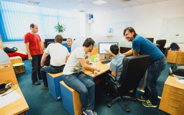 Цифри вражають: скільки українців працюють нишком