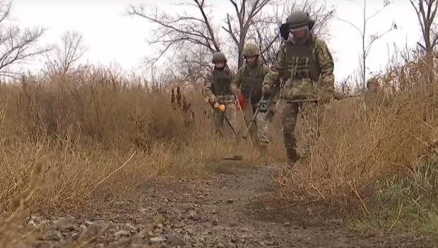 """Украинский воин """"словил"""" вражескую пулю: оккупанты стреляют из гранатометов прямо с утра"""