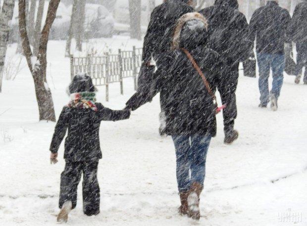 Погода на завтра заставит украинцев отменить все дела: зима наступает
