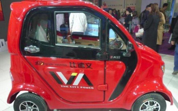 Китайці створили крихітний електромобіль