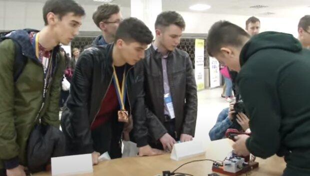 Школьник из Тернопольщины прославился на конкурсе юных изобретателей, такое бы не придумал даже Маск