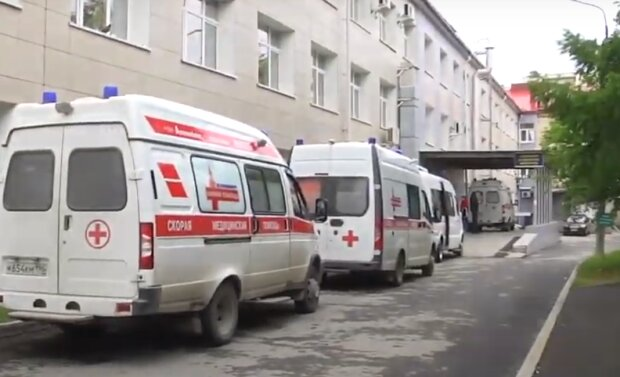 """У Тернополі переповнена лікарня, хворих на китайський вірус везуть пачками: """"У чергу!"""""""