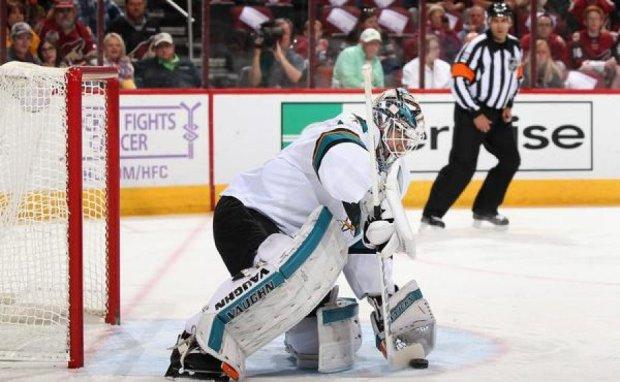 Відео найнезвичайнішого сейву в НХЛ