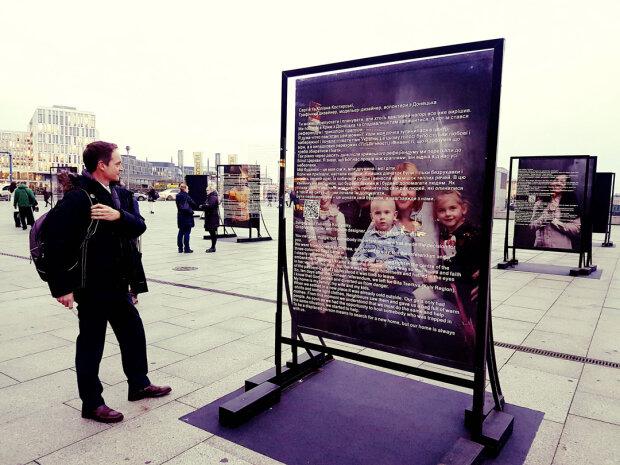 В Берлине открылась выставка об отчаянной борьбе Украины: артефакты с Майдана увидит весь мир