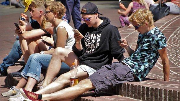 Харків'ян обчищають за новою диявольською схемою: одна SMS - і плакали ваші грошики