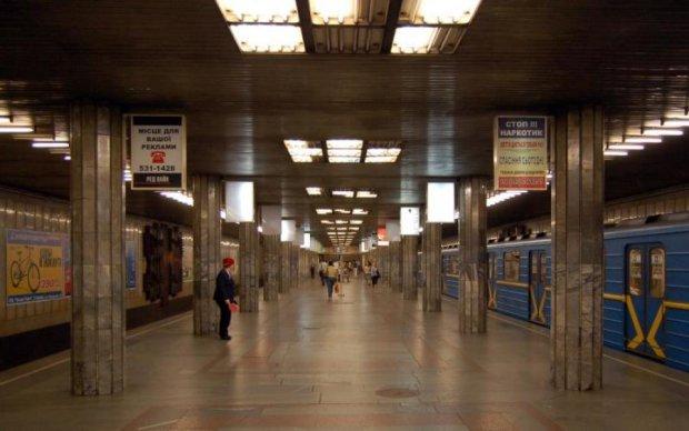 У Київському метро сказилися турнікети. Підземку атакували хакери