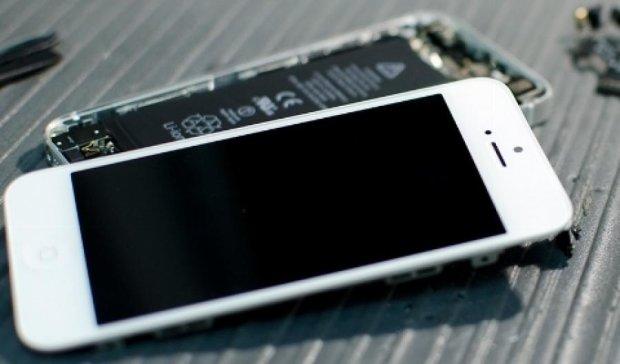 Apple запрещает клиентам дешево ремонтировать смартфоны