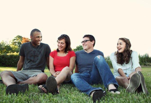 мДень молоді 2020: коли буде та як відзначати, pexels.com