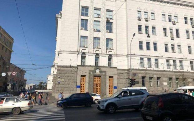 Стрельба в Харькове: врачи рассказали о состоянии охранника