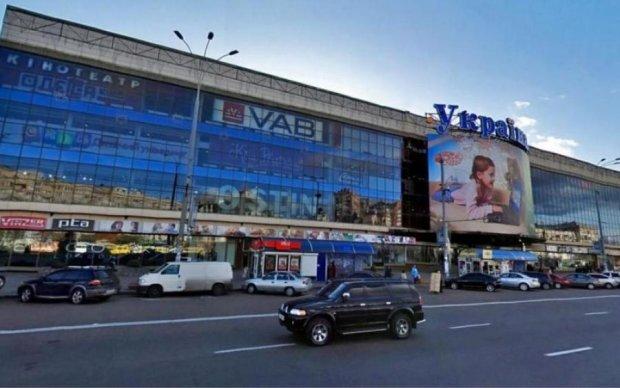 В Украине закроют сотню популярных ТРЦ: назван полный список
