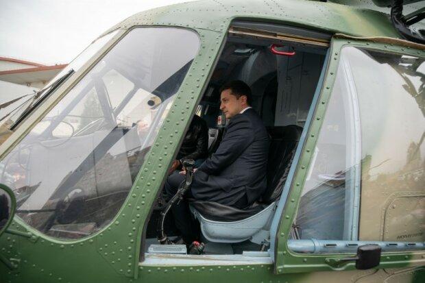 Зеленський побував у кабіні військового гелікоптера: фото