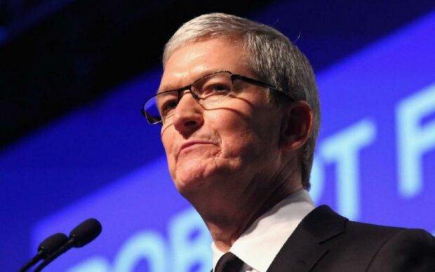 Apple побила горшки с Samsung