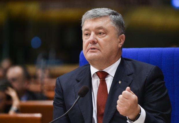 Луценко пояснив, чому Порошенко не з'явився на допит