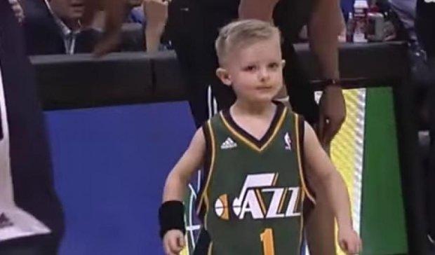 П'ятирічний хлопчик  зіграв за команду НБА (відео)