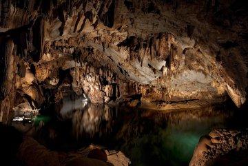 Гігантське кладовище на воді: підводна печера таїла моторошні знахідки із потойбіччя