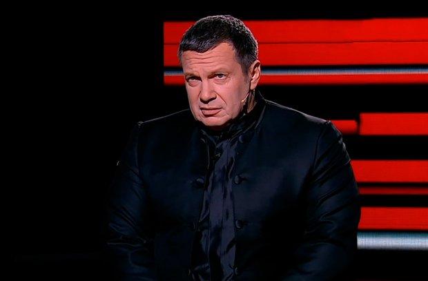 """На головному путінському каналі відбулася пекельна сутичка через Україну: """"Гнусь людська, що ти, с*ка, брешеш"""""""
