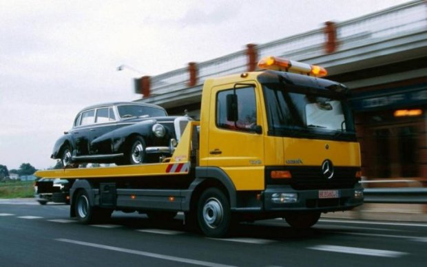 Парковаться в неправильных местах будет дорого и опасно: новые правила