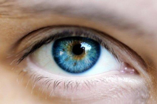 Карие глаза делают голубыми за 5 тысяч долларов