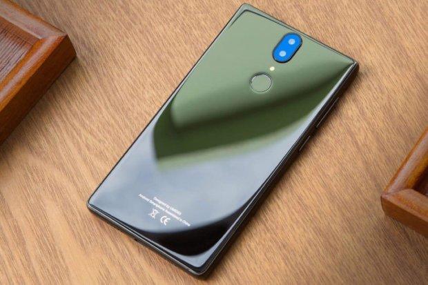 Первый в мире смартфон без отверстий Meizu Zero официально представили: характеристики, дата выхода