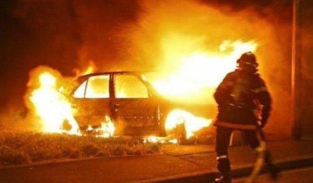 В Харькове в ДТП авто сгорело дотла