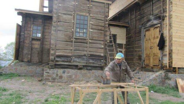 Козацька церква у Малій Ростівці, фото 20 хвилин