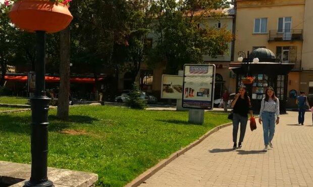 Марцинкив оденет франковских школьников в форму, несмотря на запрет Зеленского
