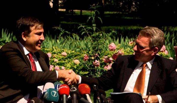 США дадут денег команде Саакашвили