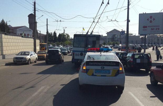 """""""Вор-потеряшка"""": безглузде пограбування в тролейбусі змусило реготати всю Одесу"""