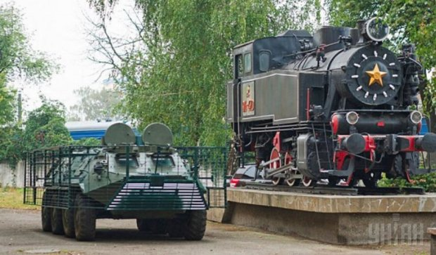 Завод Ивано-Франковска на собственные средства отремонтировал авто для АТО (фото)