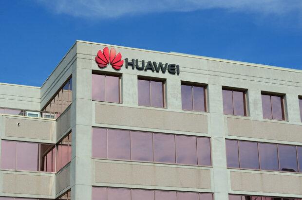 Коронавирус помог: Huawei на первом месте по поставкам смартфонов