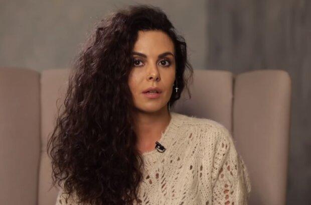 Настя Каменских, скрин из видео
