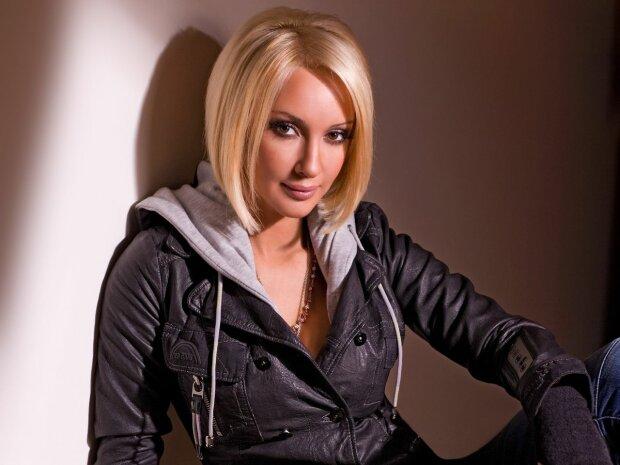 Удалила имплантаты ради любовницы: телеведущая Лера Кудрявцева призналась в связи с женщиной