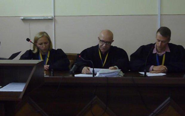 Київський суд відпустив помічників терористів