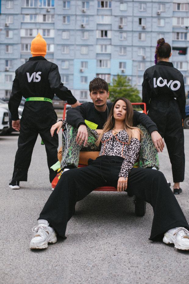 """""""З Днем народження, Україно!"""": гурт """"Время и Стекло"""" готує для глядачів особливий подарунок"""